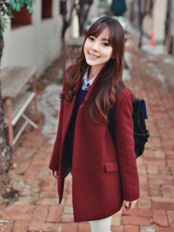 RED WINE WOOLEN COAT [ เสื้อโค้ทกันหนาว สไตล์เกาหลี สีไวน์แดง ] พร้อมส่ง